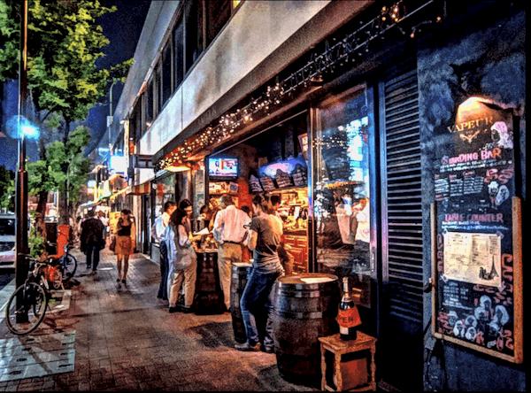 銀座コリドー街通りの風景